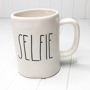 Rae Dunn | SELFIE Mug